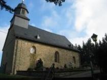 Bei der Laurentiuskirche handelt es sich um das älteste noch genutzte Bauwerk im Hochtaunus.